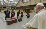 Pope Francis tells children to nurture Hope, Love and Peace