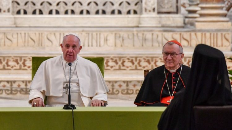 Pope Francis: silence the noise of weapons and  listen to the cries of the defenseless
