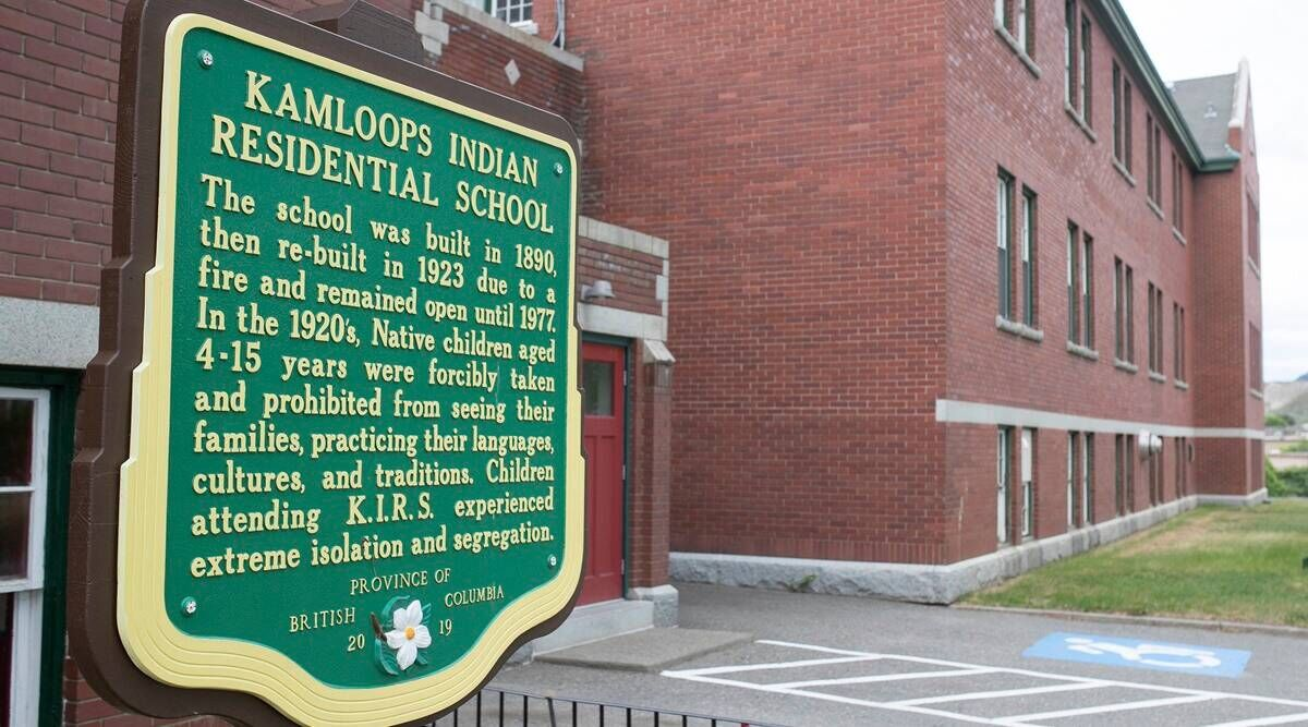 UN experts call on Canada to investigate mass grave at indigenous school