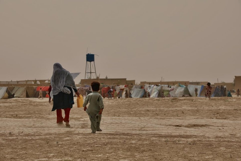 UNHCR warns Afghanistan's conflict taking the heaviest toll on displaced women and children